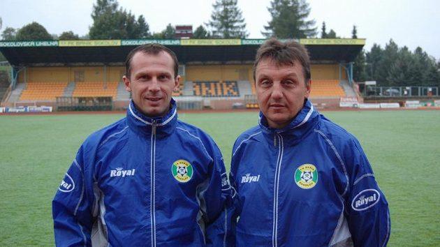 Nový trenér druholigového Sokolova Radoslav Látal (vlevo) s asistentem Jiřím Nečkem.