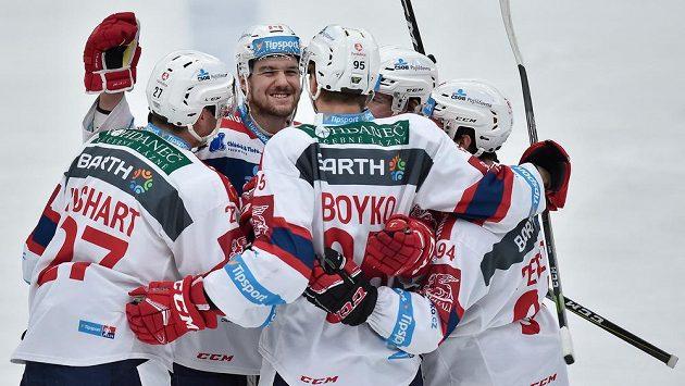 Radost hokejistů Pardubic - ilustrační foto