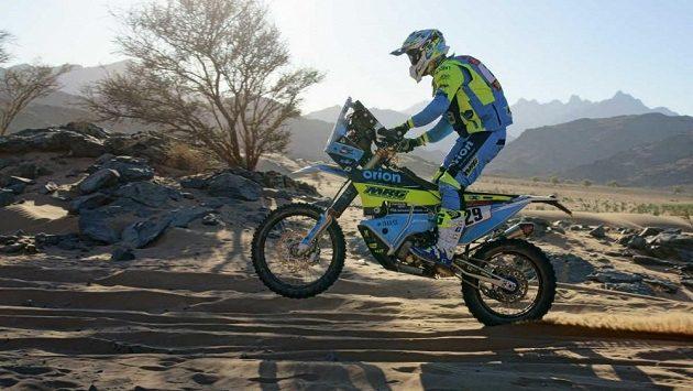 Motocyklista Milan Engel z týmu Orion - Moto Racing Group - na archivním snímku z Dakaru