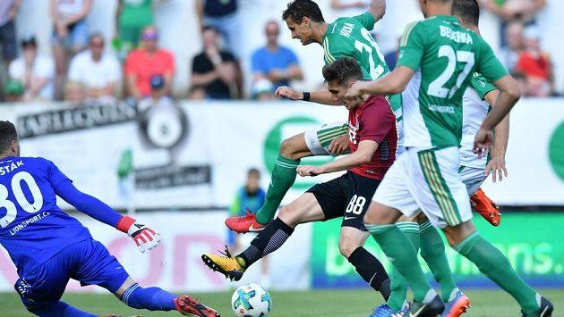 Po tomto souboji mezi Lukášem Hůlkou z Bohemians a Josefem Šuralem ze Sparty byla nařízena penalta, kterou ale po konzultaci s videorozhodčím hlavní sudí Pavel Franěk odvolal.