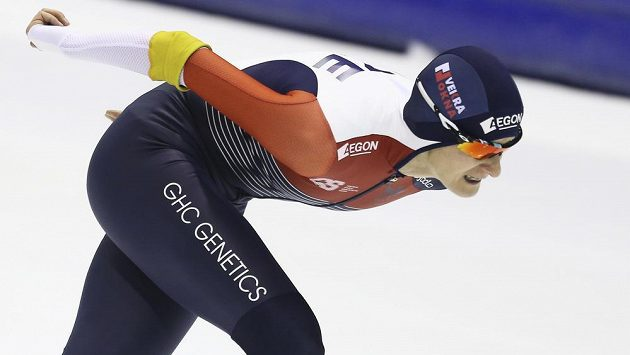 Česká rychlobruslařka Martina Sáblíková na oválu v nizozemském Heerenveenu.