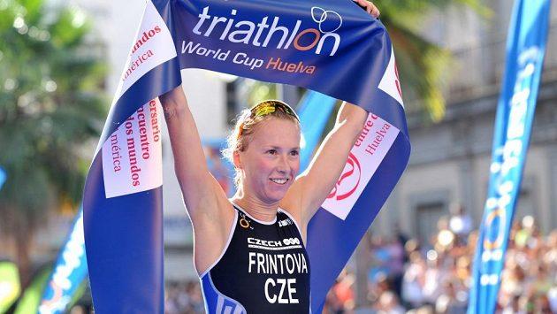 Triatletka Vendula Frintová by klidně mohla být špičkovou českou běžkyní.