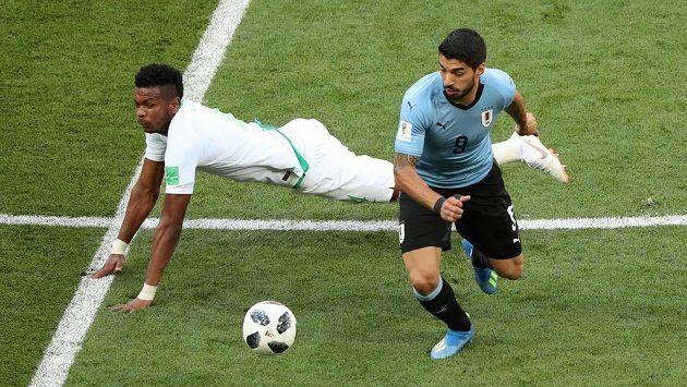 Uruguayec Luis Suárez v souboji uspěl na úkor Alího Buláihího.