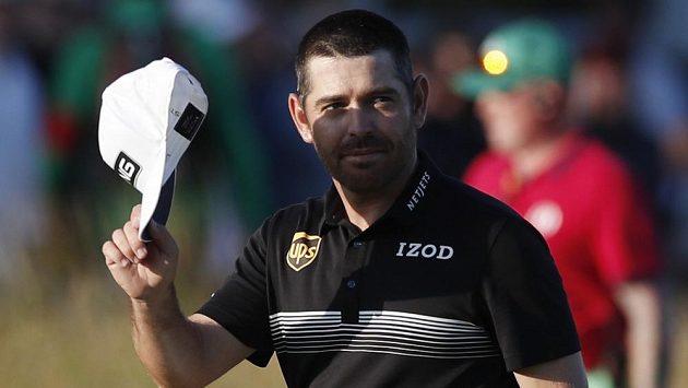 Jihoafrický golfista Louis Oosthuizen si v druhém kole British Open upevnil vedení.