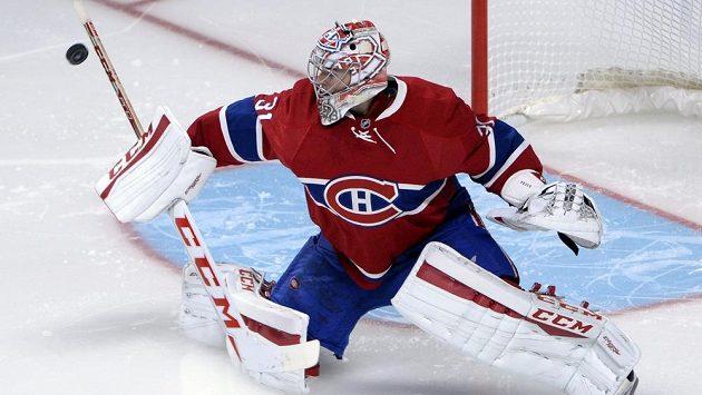Brankář Montrealu Carey Price v akci.