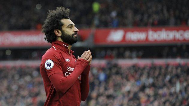 Hvězda Liverpoolu Mohamed Salah oslavuje gól proti londýnské Chelsea na stadionu Anfield.