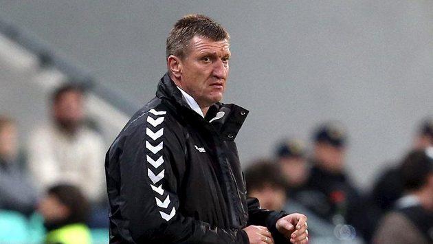 Trenér Litevců Igoris Pankratjevas odstoupil.