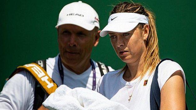 Ruská tenistka Maria Šarapovová údajně končí spolupráci se švédským trenérem Thomasem Högstedtem.