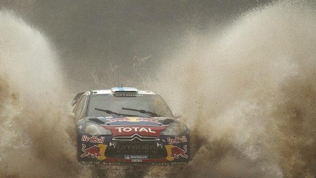 Mikko Hirvonen ve voze Citroen DS3 WRC během Portugalské rallye