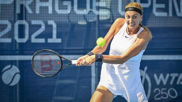 Tenistka Petra Kvitová během utkání Livesport Prague Open proti Rebecce Šrámkové ze Slovenska.