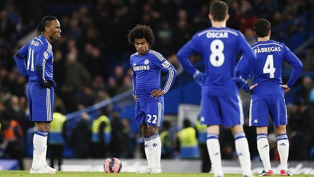 Zkoprnělí hráči Chelsea. poté, co vypadli s Bardfordem z FA Cupu.