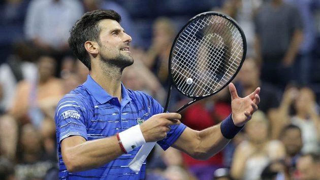 Novak Djokovič během zápasu proti Denisu Kudlovi na US Open 2019.