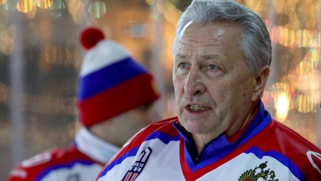 Ruská hokejová legenda Alexandr Jakušev na snímku z prosince loňského roku.