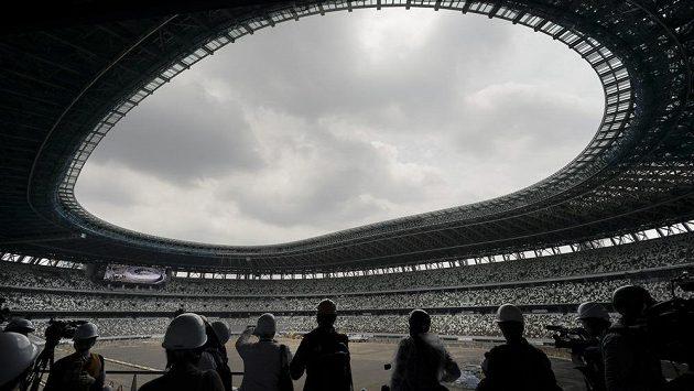Dobudovávaný Olympijský stadion v Tokiu.