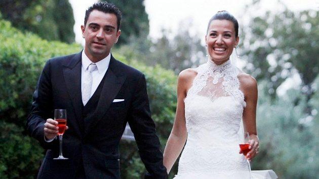 Šťastní novomanželé - Xavi Hernández a Nuria Cunilleraová.