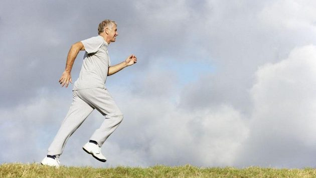 Věk 98 let ještě není ten správný čas na házení flinty do žita! (ilustrační foto)