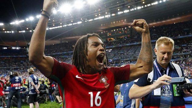 Renato Sanches se raduje po vítězství Portugalska ve finále ME.