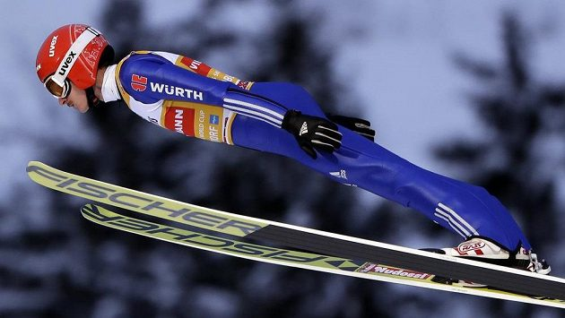 Němec Richard Freitag vyhrál kvalifikaci v Oberstdorfu výkonem 130,5 metru