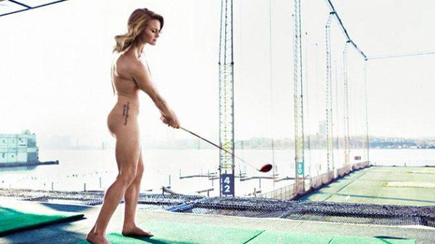 Skotská golfistka Carly Boothová nafotila obrázky svého nahého těla pro ESPN The Magazine.
