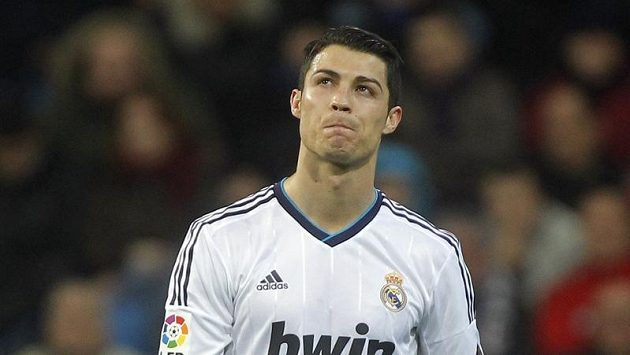Portugalský fotbalista v dresu Realu Madrid Cristiano Ronaldo.