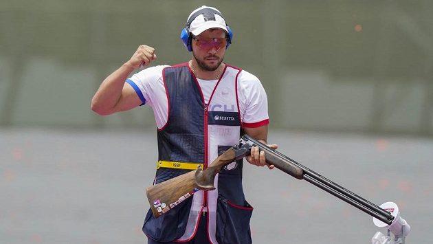 Český reprezentant Jakub Tomeček musel o finále skeetu bojovat v rozstřelu.