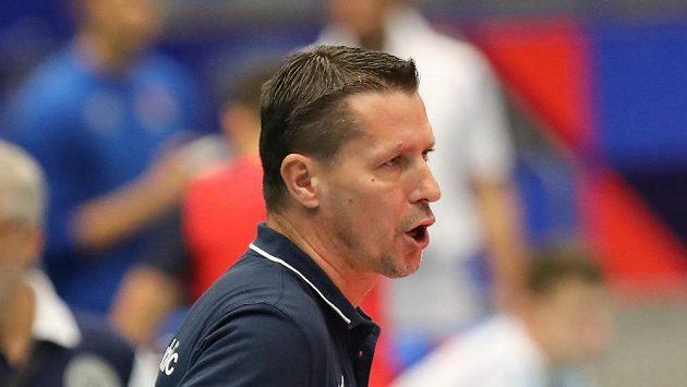 Trenér volejbalové reprezentace České republiky Jiří Novák během zápasu ME proti Bělorusku.