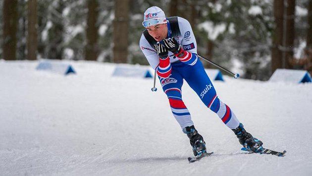 V závodě mužů na 15 km volně obsadil druhé místo domácí běžec Michal Novák.