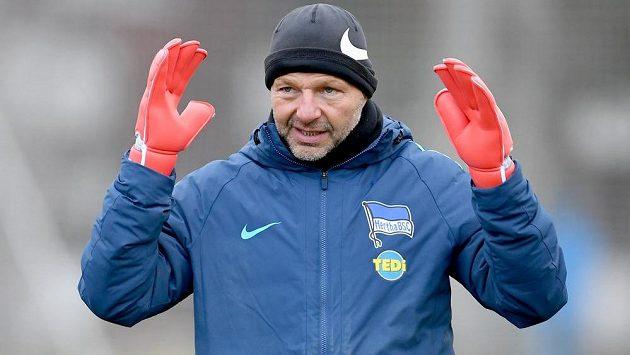 Omluva nepomohla. Hertha Berlín propustila trenéra brankářů Zsolta Petryho za komentáře na téma homosexuality a migrace v maďarském tisku.