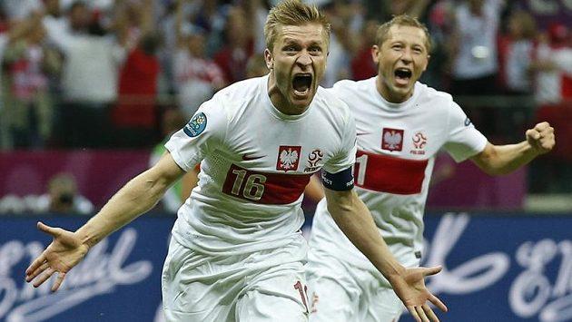 Jakub Blaszczykowski a Rafal Murawski se radují z vyrovnávacího gólu proti Rusku