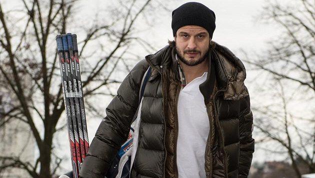 Útočník Martin Zaťovič přichází na kemp hokejové reprezentace ve Velkých Popovicích.