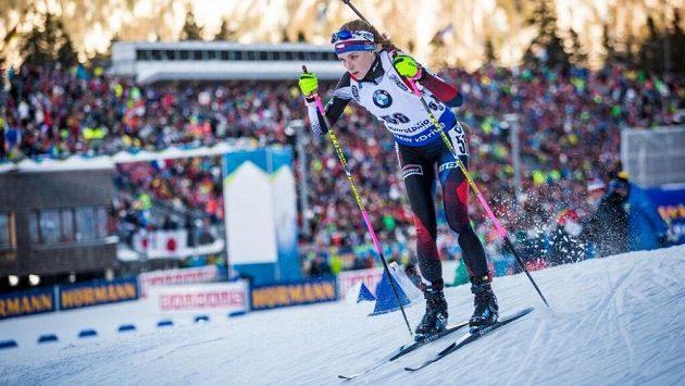 Markéta Davidová na trati sprintu v Ruhpoldingu.