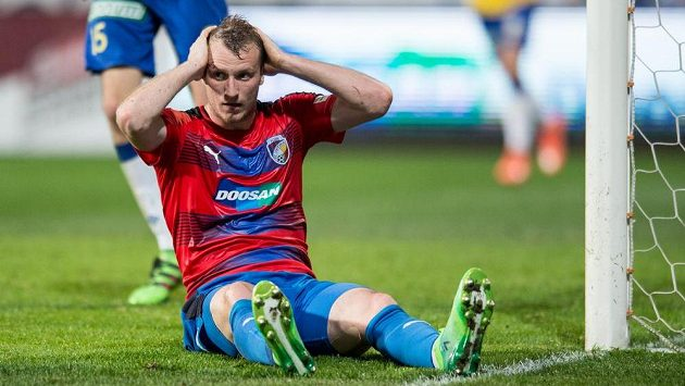 Plzeňský útočník Michael Krmenčík v utkání s Teplicemi.