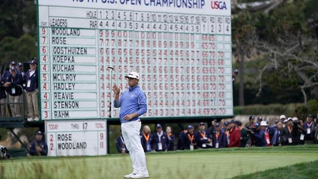 Gary Woodland v akci ve třetím kole golfového US Open.