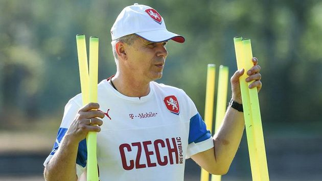 Trenér Vítězslav Lavička na tréninku fotbalové reprezentace do 21 let v Jablonci nad Nisou.