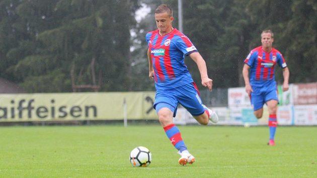 Jan Kopic během přípravného zápasu s ruským Těrekem Grozným