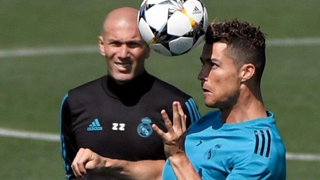 Cristiano Ronaldo a Zinédine Zidane znovu pohromadě? V Juventusu, tvrdí španělský portál.
