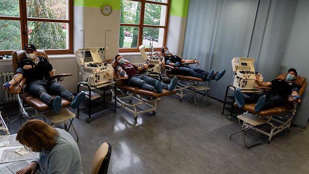 Sparťanští hokejisté darovali krevní plazmu.