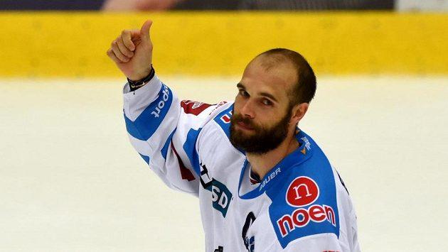 Chomutovský Michal Vondrka, autor tří gólů a jedné asistence v utkání s Libercem.