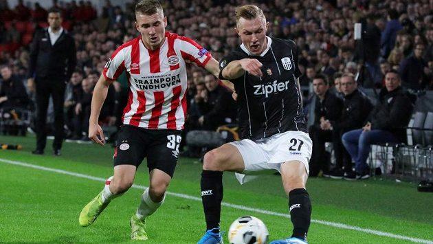 Fotbalista Michal Sadílek (vlevo) se ve 12. kole nizozemské ligy dočkal druhé branky v Eredivisie v kariéře (ilustrační foto).