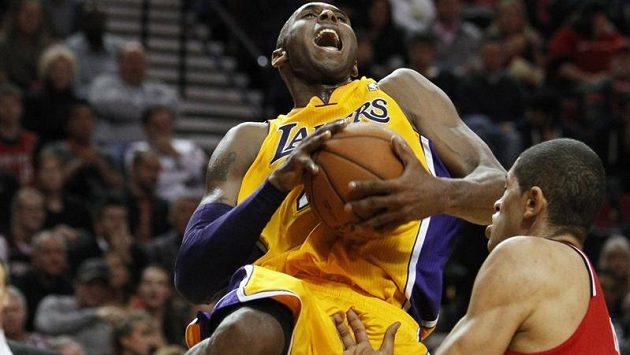 Nejlepším hráčem Lakers byl zase Kobe Bryant.