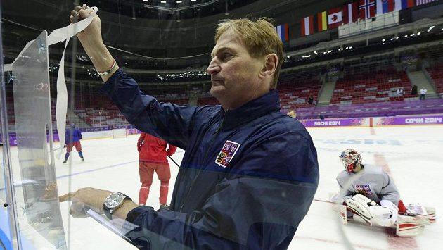 Trenér Alois Hadamczik při tréninku národního týmu v Soči
