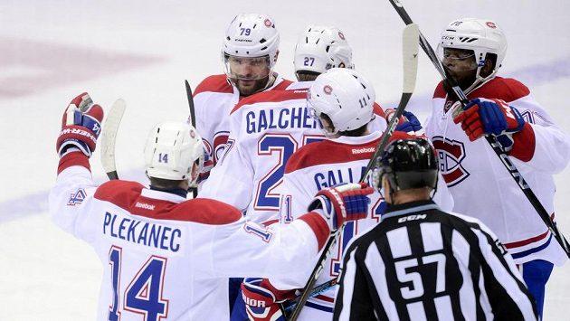 Tomáš Plekanec oslavuje gól Montrealu, který ale nakonec prohrál v Coloradu.