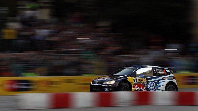 Francouz Sébastien Ogier míří za třetím vítězstvím na Katalánské rallye za sebou.