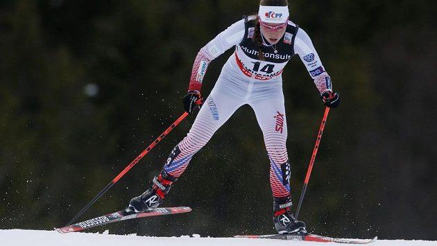 Česká lyžařka Petra Novaková během skialonu v Lillehammeru.
