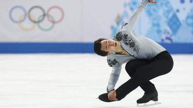 Kanadský krasobruslař Patrick Chan během volné jízdy na olympiádě v Soči.
