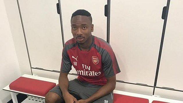 Nigerijský obránce Kelechi Nwakali v barvách londýnského Arsenalu.