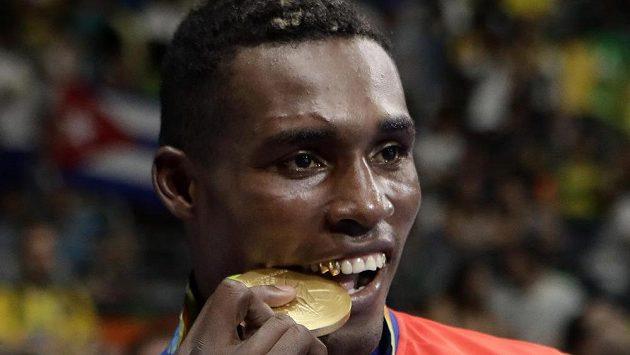Kubánský boxer Julio César La Cruz ovládl kategorii do 81 kg.
