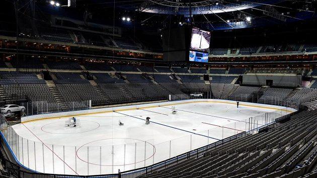 V pražské O2 areně vrcholí přípravy před nadcházejícím MS v ledním hokeji.