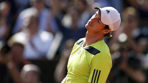 Během pátečního semifinále Roland Garros byl tento výraz vidět na Murrayho tváři nesčetněkrát.