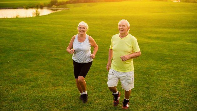 Jen to přehánějte! Abyste se pak nedivili, až budete zdraví a šťastní! (ilustrační foto)